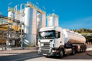 Truck vor Anlage 2015