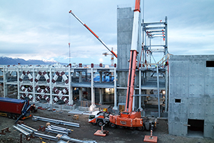 PCC BakkiSilicon - The steelworks at level +6,7 m and +10,9 m are nearly finished. By the end of the year the erection of the steel frames for level +16,9 m and +22,9 m starts. Once completed, the furnace building is going to be approximately twice as high.