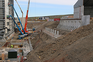 PCC BakkiSilicon - Construction site of the raw material silos, linking the raw material storage and furnace building.