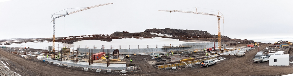 PCC BakkiSilicon - Panoramic view of the construction site in April 2016